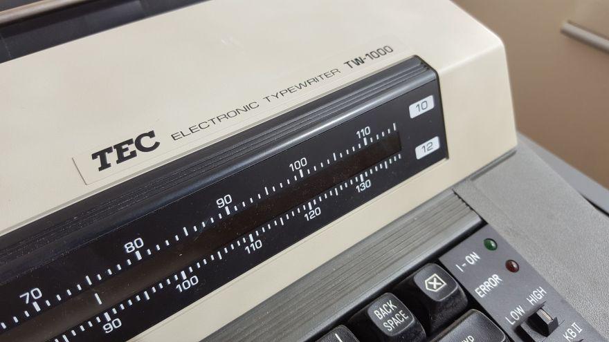 tec-tw1000-badge