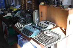TypewriterContainer00