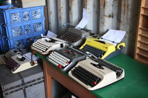 TypewriterContainer03