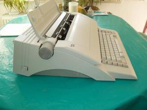 AEG-elektrische-schreibmaschine2