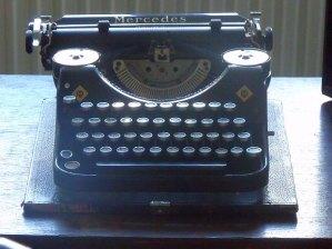 Tucholsky_Mercedes_typewriter1