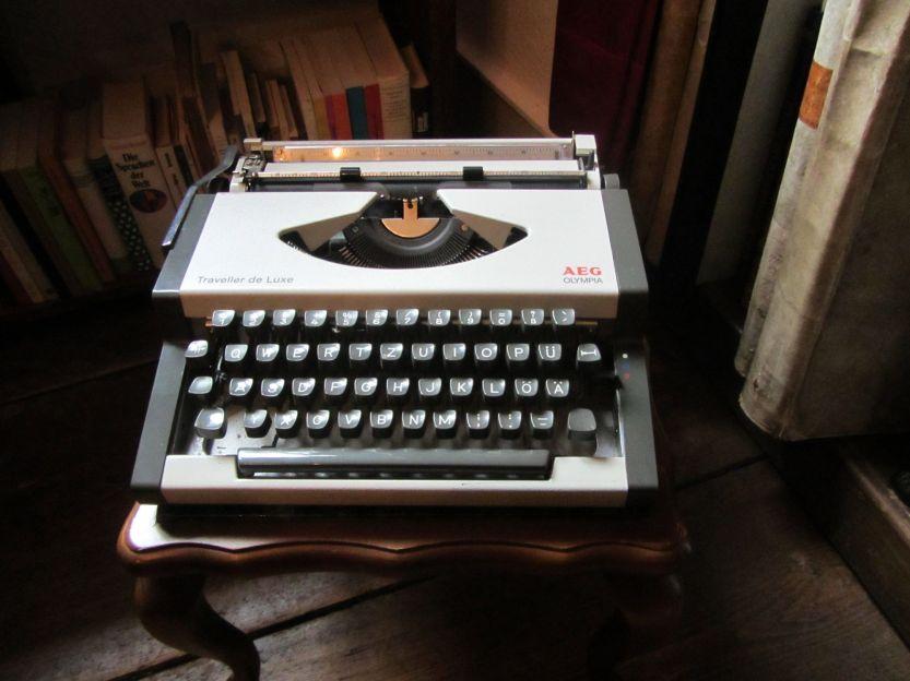 Schreibmaschine_Ernst_Jünger_AEG