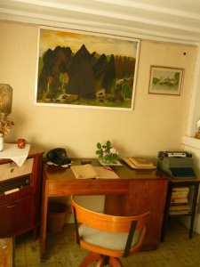 moa-apartment_typewriter0