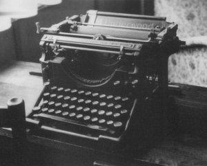 jean-ray-underwood-typewriter
